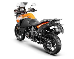246001_1290 SADV S Orange MY19 Rear-Left