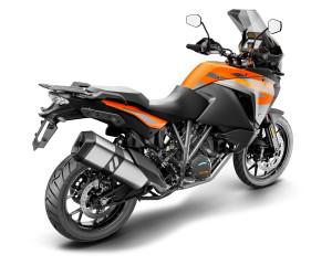 246002_1290 SADV S Orange MY19 Rear-Right